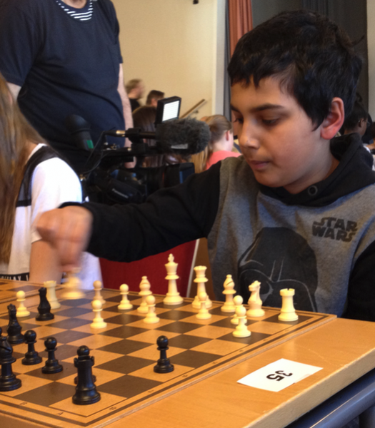 Y4 Chess Player